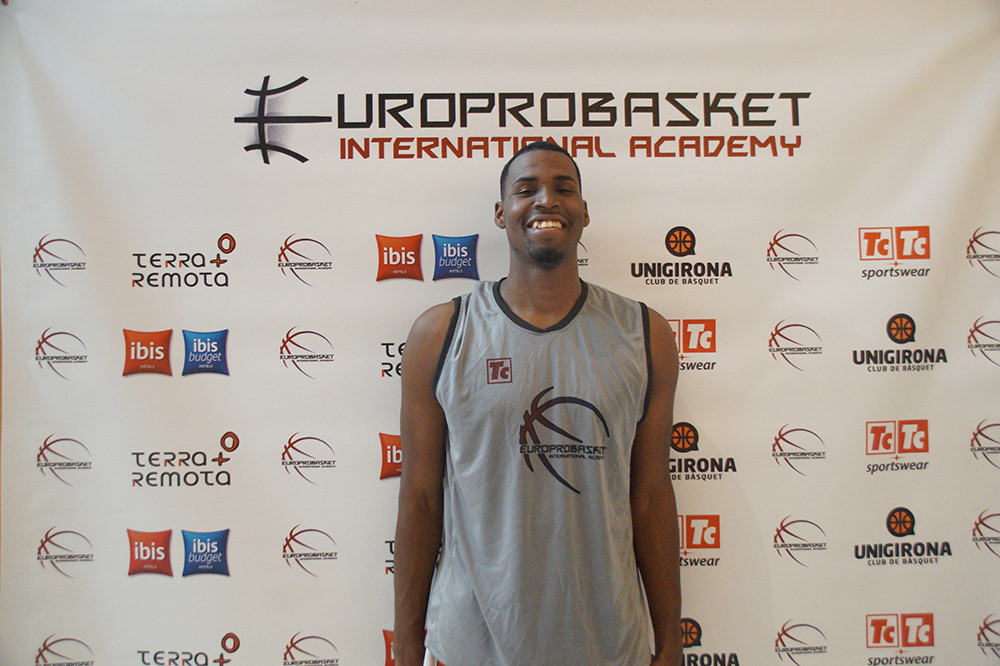 Europrobasket player Damion Hooks on Tryout near Barcelona ??!