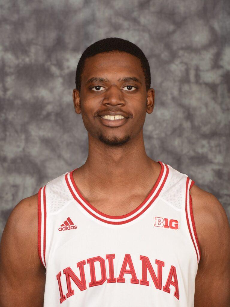 Jeremiah April basketball