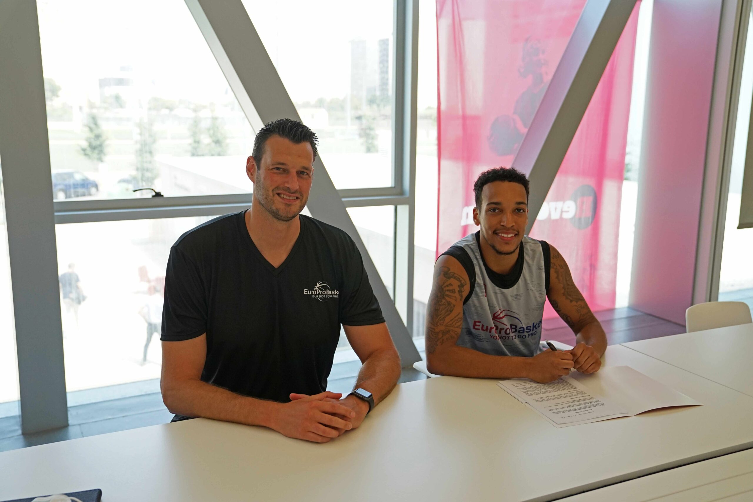 D'Ondre Stockman Signs Contract with Brad Kanis